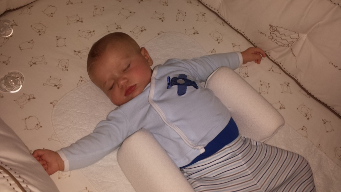 Sleep, baby, sleep!